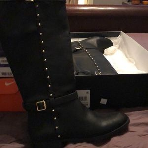 Beautiful leather boots with bling